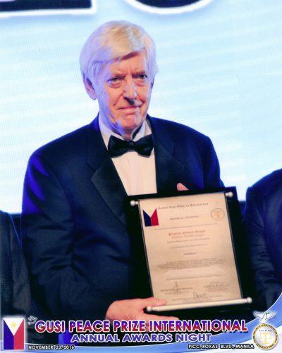 l-gusi-peace-prize-for-literature-2016